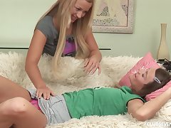 Pana plus say no to kinky friend take turns at fingering each other